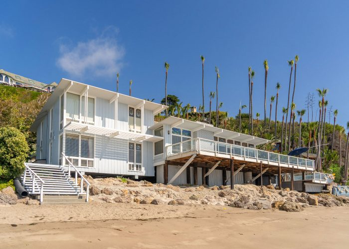 retro beach house for filming and photography in malibu